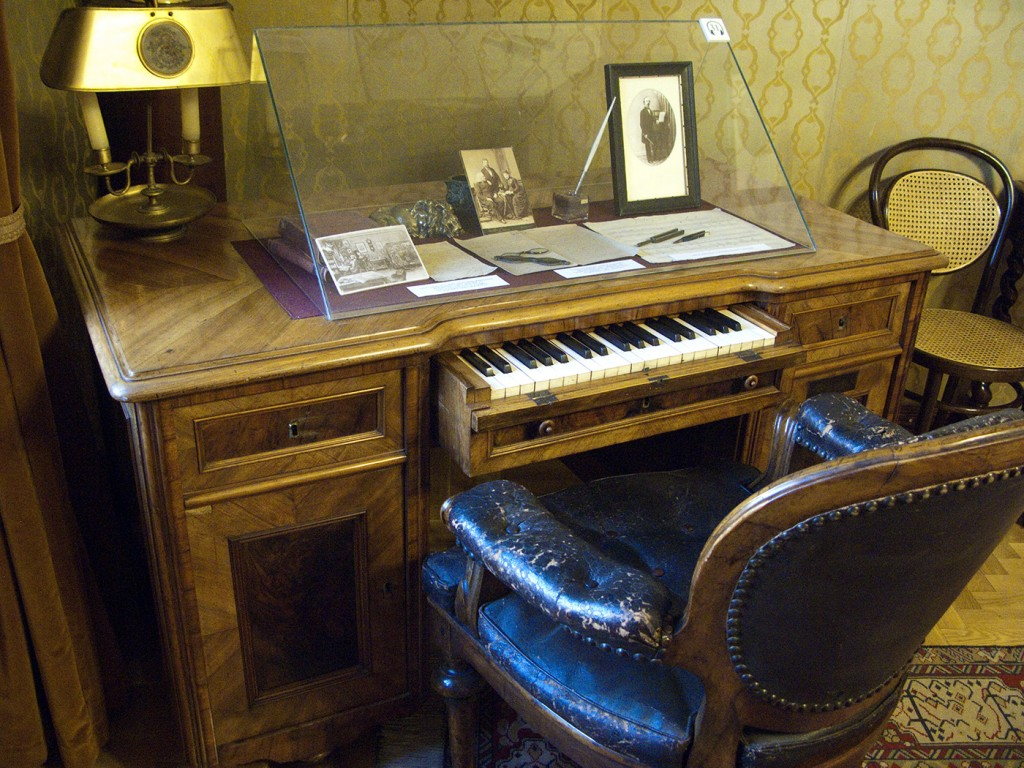 Franz Liszt's small keyboard built into the drawer