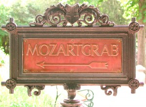 sign directing to Mozart's monument