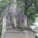Johannes Brahms statue