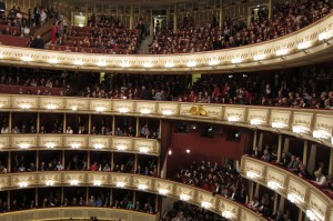 full house at vienna state opera