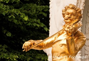"The golden statue of the ""Waltz King,"" Johann Strauss, Jr. in Vienna's Stadtpark."